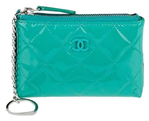 Chanel CHANEL Green Quilted Patent Leather CC O-Key Holder