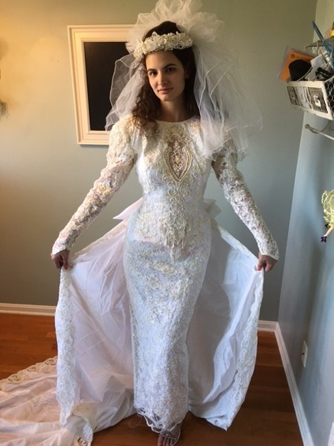 Item - Off White Satin/French Lace/Sequins/Pearls Vintage Wedding Dress Size 10 (M)