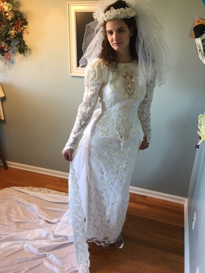 Demetrios Off White Satin/French Lace/Sequins/Pearls Vintage Wedding Dress Size 10 (M)