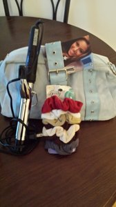 Tommy Hilfiger the large belson hot curler and scrunchies are included sky blue Travel Bag
