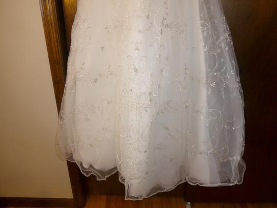 Casablanca Ivory Beadwork and Embroidery On Tulle #2035 Formal Wedding Dress Size 8 (M) Image 6