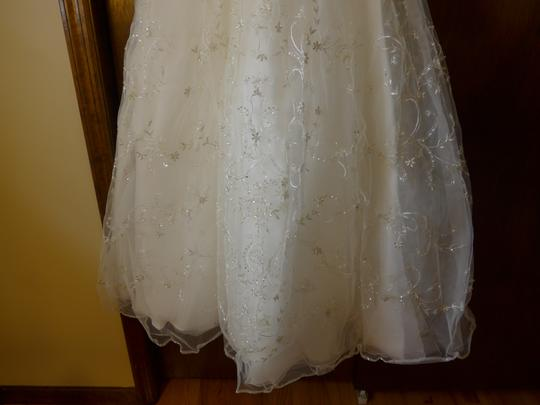Casablanca Ivory Beadwork and Embroidery On Tulle #2035 Formal Wedding Dress Size 8 (M) Image 7
