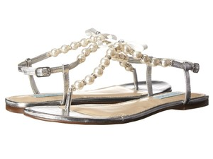 Betsey Johnson Silver and White Sandals Size US 10 Regular (M, B)