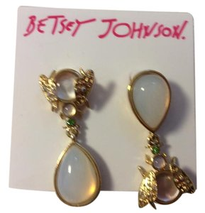 Betsey Johnson Betsey Johnson White, Clear and Green Stones Fly Goldtone earrings