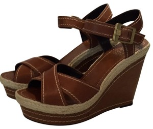 Vince Camuto Caramel Wedges