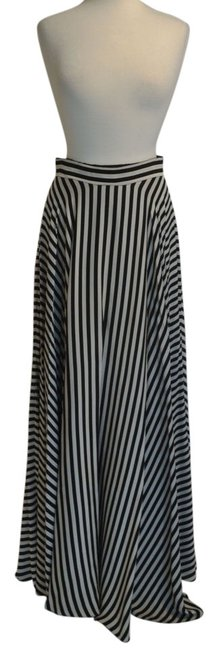 Preload https://item4.tradesy.com/images/milly-black-white-maxi-skirt-size-6-s-28-1647178-0-2.jpg?width=400&height=650