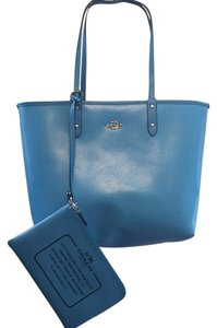 Coach Tote in Signature/Azure