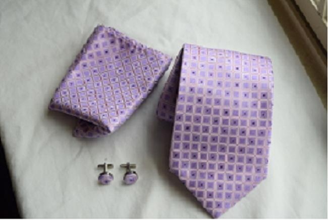 Item - Purple Pink and Silver Pocket Square Cuff Links Tie/Bowtie