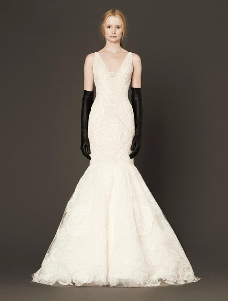 Vera Wang Ivory Chantilly Lace Accents & Guipere Lace Back Bodice ...