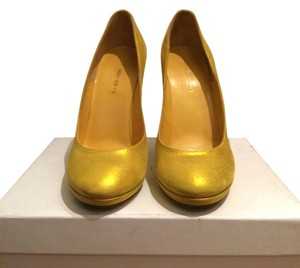 Nina Ricci Designer Spiral Twisted Heel Yellow/Gold Pumps