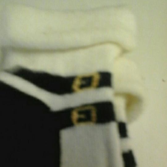 Juicy Couture 2 pair juicy COUTURE INFANT SOCKS SIZE 0-3 MONTHS