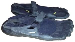 Vibram black Athletic