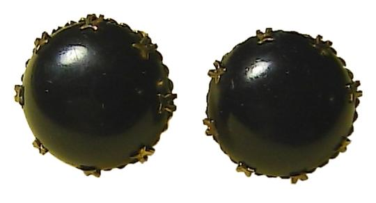 Preload https://item3.tradesy.com/images/gold-tone-and-black-stone-clip-on-earrings-1648597-0-0.jpg?width=440&height=440