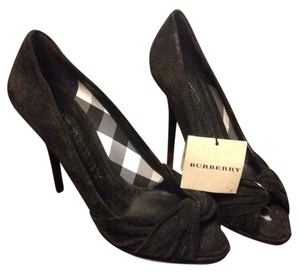 Burberry Blac Pumps