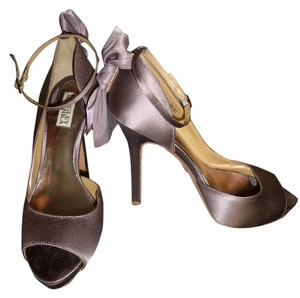 Badgley Mischka taupe Formal