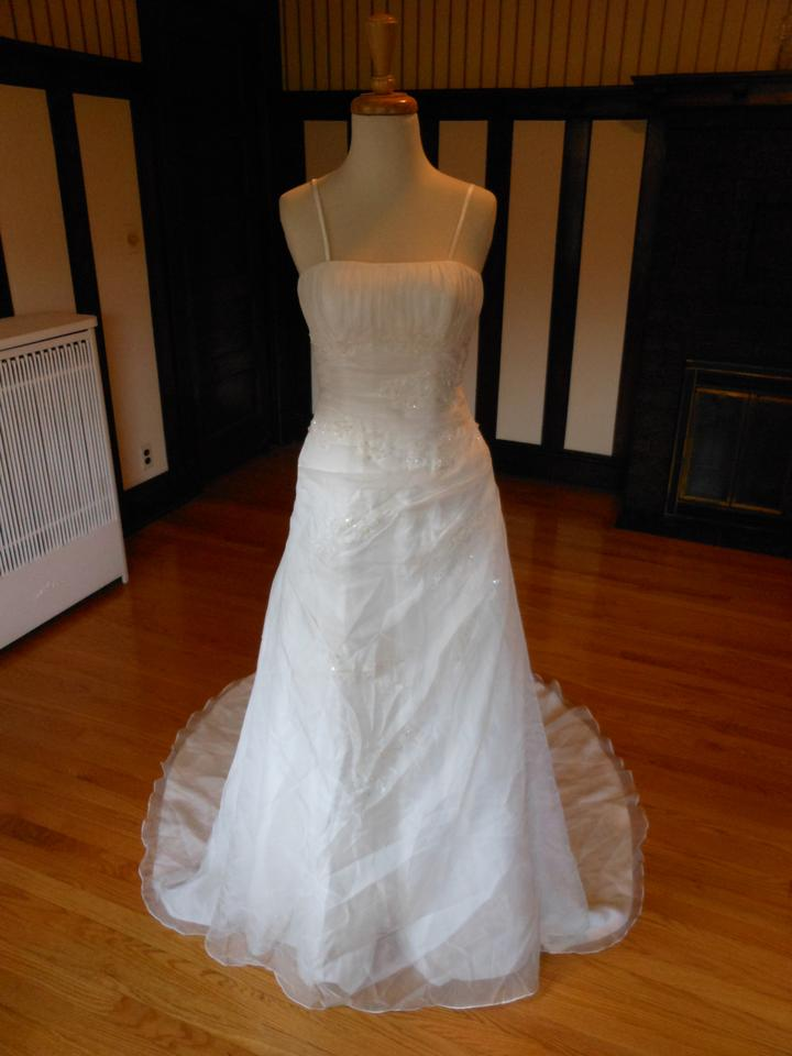 Lily Rose White Sample Destination Wedding Dress Size 4 S
