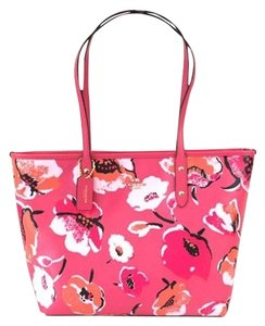 Coach Pink Nwt Tote in Floral