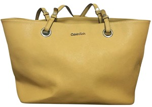 Calvin Klein Tote in Yellow
