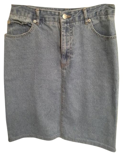 Preload https://img-static.tradesy.com/item/16496281/newport-news-light-denim-jeanology-knee-length-skirt-size-8-m-29-30-0-1-650-650.jpg