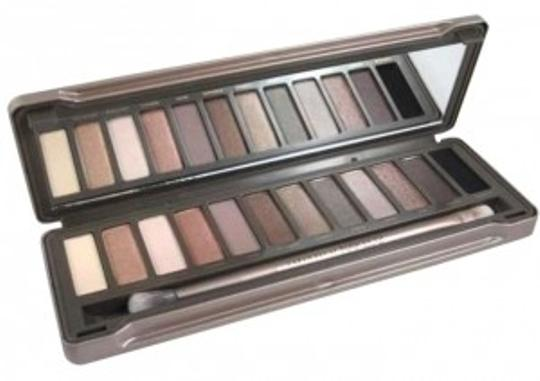 Preload https://item2.tradesy.com/images/urban-decay-natural-naked-2-164971-0-0.jpg?width=440&height=440