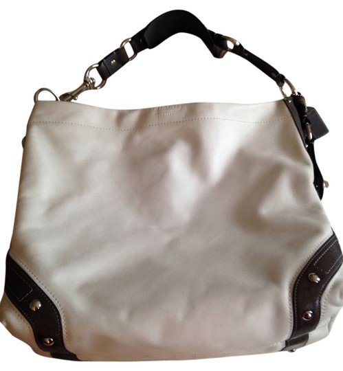 Preload https://item4.tradesy.com/images/coach-white-and-grey-leather-tote-1649853-0-0.jpg?width=440&height=440