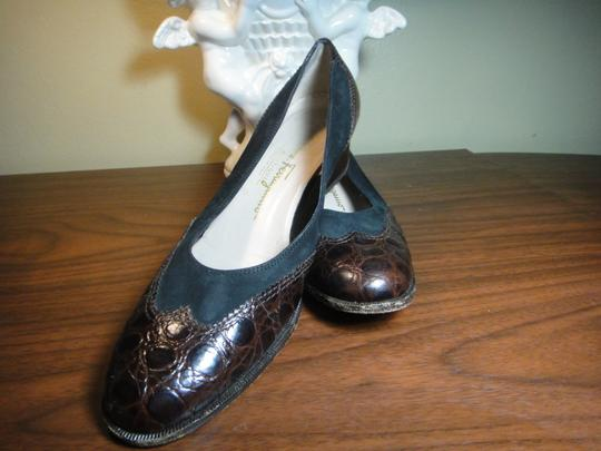 Salvatore Ferragamo Black/Brown Pumps