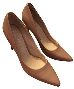 Nine West Classic Light Natural Leather Pumps