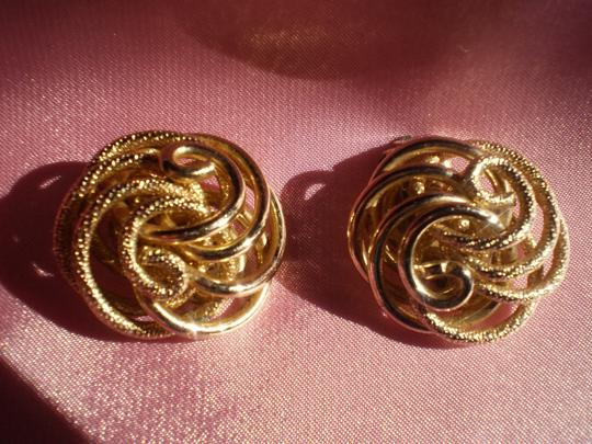 Other Vintage goldtone clip-on earrings