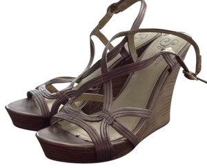 Seychelles Metallic Brown. Wedges