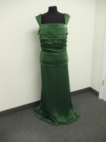 Alyce Paris Clover Green 29327 Bridesmaid/Mob Dress Size 26 (Plus 3x) Image 1