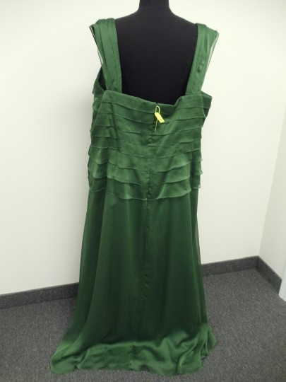Alyce Paris Clover Green 29327 Bridesmaid/Mob Dress Size 26 (Plus 3x) Image 4