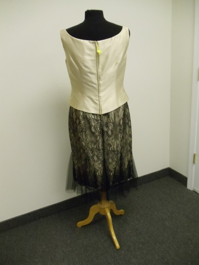 Social Occasions by Mon Cheri Beige Gold and Black 211823 Bridesmaid/Mob Dress Size 8 (M) Image 6