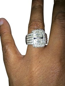 Macy's 3/4ct diamond Buckle ring
