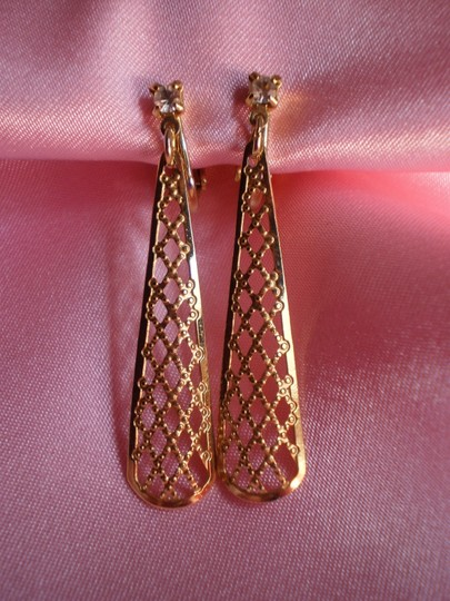 Avon Like new Avon vintage lattice lace clip-on earrings