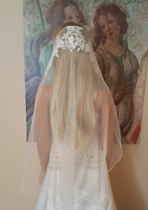 Bridal Finger Tip Crystal Lace Veil With Comb White