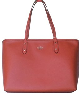 Coach New With Tags Nwt Tote in Carmine Orange
