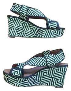 Lucky Brand Checkered Patterned Black and White Wedges