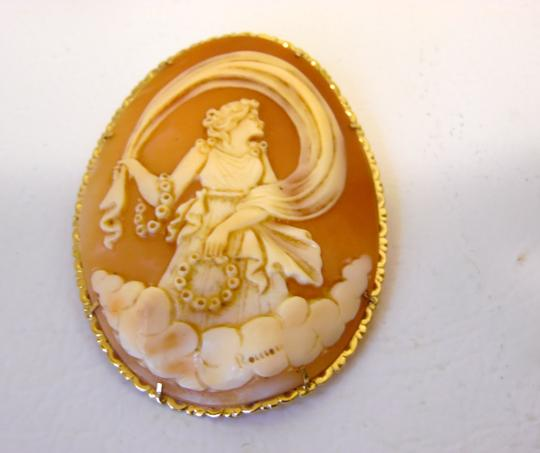 AMEDEO M&M Scognamiglio Italian 14K Shell Lady with Garlands Cameo Image 1