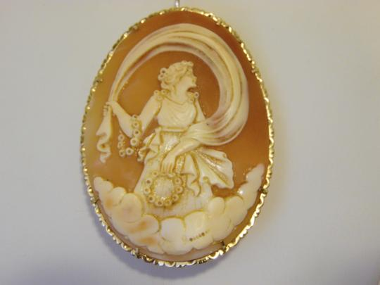 AMEDEO M&M Scognamiglio Italian 14K Shell Lady with Garlands Cameo Image 10