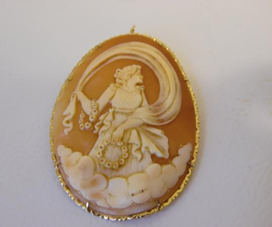 AMEDEO M&M Scognamiglio Italian 14K Shell Lady with Garlands Cameo Image 5