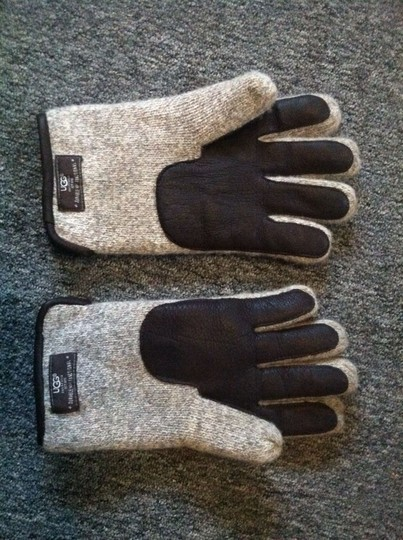 UGG Australia Ugg Gloves Sm/Med Wool w/ Leather Palms and Fleece Lining
