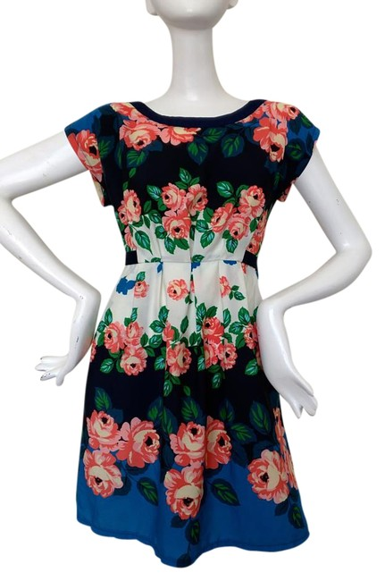 Item - Floral Above Knee Short Casual Dress Size 6 (S)