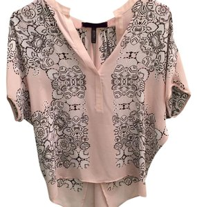 BCBGMAXAZRIA Top Light pink wity black detail