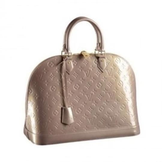 Preload https://img-static.tradesy.com/item/165157/louis-vuitton-alma-lv-nude-alma-gm-leather-satchel-0-0-540-540.jpg