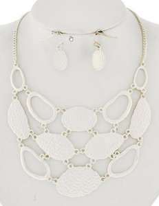 Matt Finish Silver Tone Necklace And Earring Set