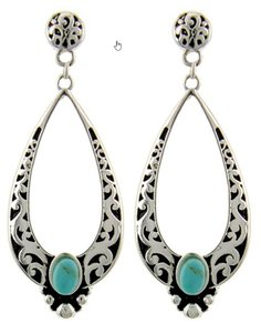 Antique Silver Tone And Turquoise Stone Clip Earring