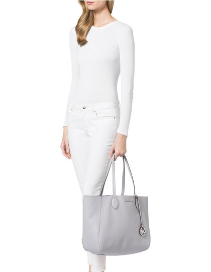 Michael Kors Mae East West Large Leather / Tote in Lilac / Silver Image 6
