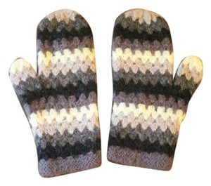Gap Black white and grey Cable Knit Winter Gloves
