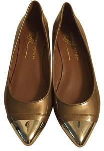 Donald J. Pliner Copper Pumps
