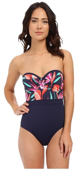 Preload https://img-static.tradesy.com/item/16524262/tommy-bahama-mare-navy-bird-paradise-underwire-cup-one-piece-bathing-suit-size-10-m-0-1-650-650.jpg